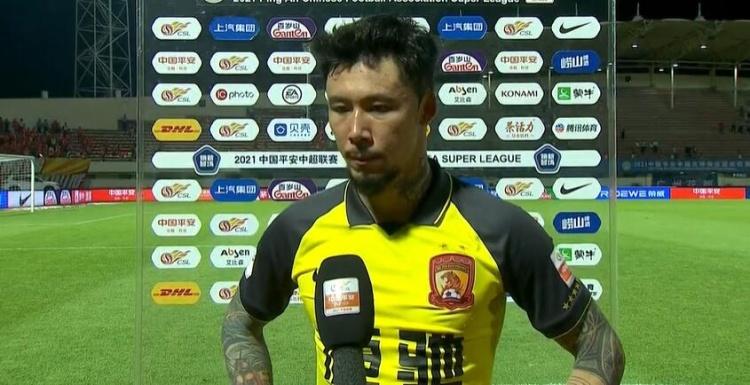 张琳芃:不满意最近表现,更应把心思放在球场上而不是找裁判问题