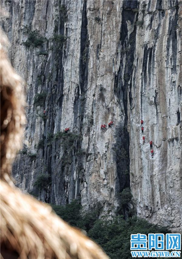 探险者的天堂——记中国凉都·六盘水月照神雕峰绝壁攀岩