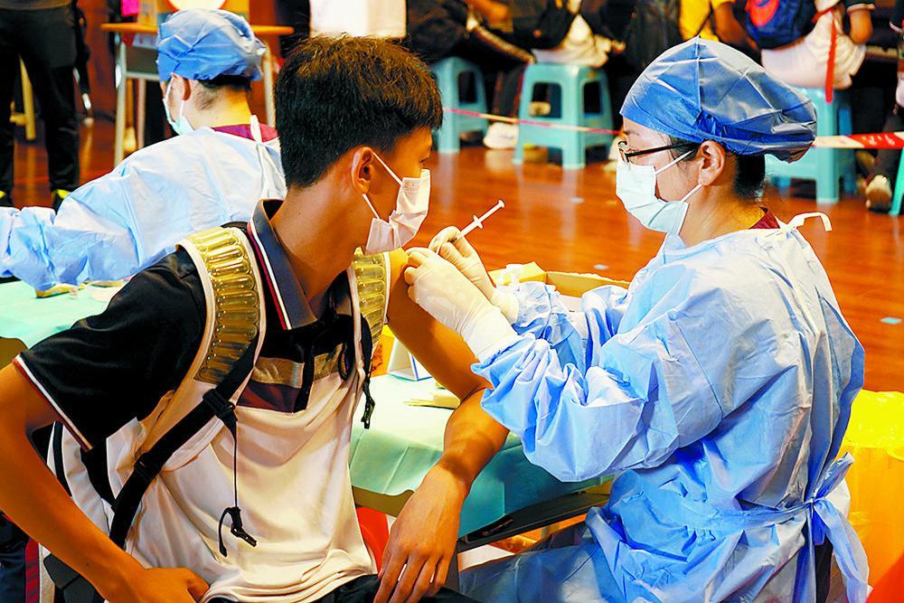 珠海15-17岁青少年开打新冠疫苗