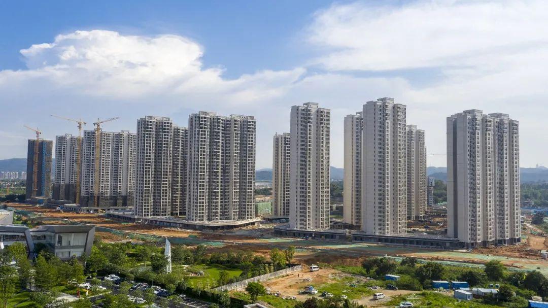 两天连开24张罚单,上海银保监局严惩信贷资金违规流入房市