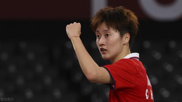 国羽一姐进决赛争夺金牌,何冰娇冲击铜牌