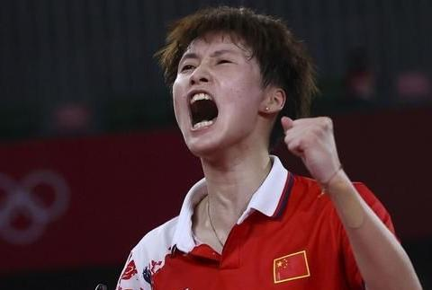 奥运羽球女单半决赛,国羽一单胜二单,陈雨菲冲金,何冰娇冲铜牌