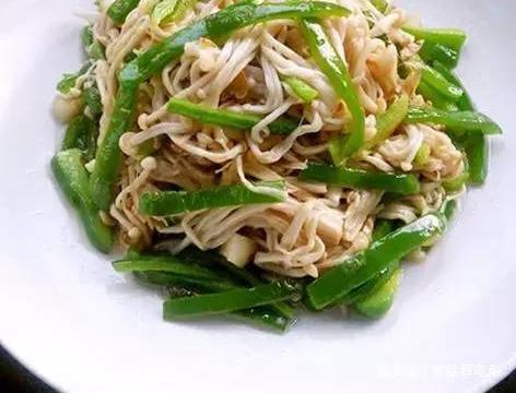 精选美食:贵妃鸡翅,金针菇青椒肉丝,素煎茄子,话梅排骨的做法