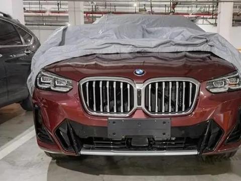 新款宝马X3实车现身,动力不变设计提升,网友:后排大点会更好