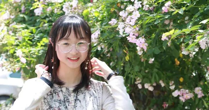 镇江双胞胎姐妹以同分被中国人大录取