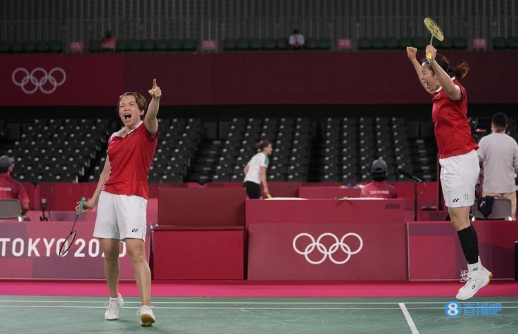 羽毛球女子双打:陈清晨/贾一凡2-0横扫韩国组合晋级决赛
