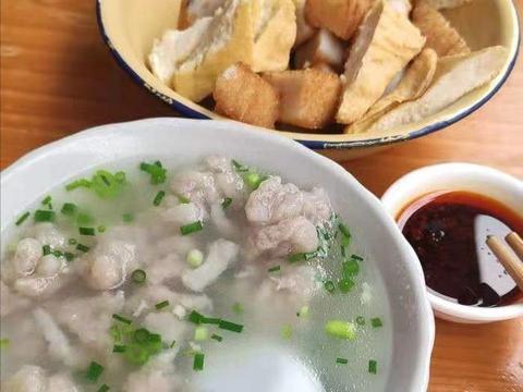 福建乡道上的宝藏小店,凭一碗肉羹汤被列为地标,隔壁县的都来吃