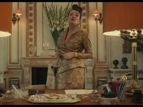 库伊拉:妹子突然看到传家宝,谁料却被戴在女男爵夫人身上,愣了