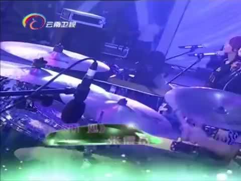 张震岳演唱《再见》,经典歌曲再现丨音乐现场