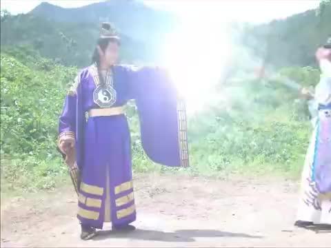 封神英雄榜:闻太师欲取天眼,不料天眼是神器,直接飞向杨戬身上