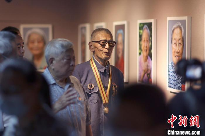 百幅抗战老兵肖像作品展在抗战馆举行