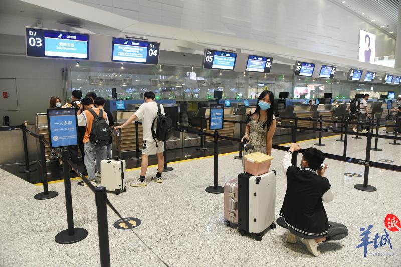 广州白云机场核酸检测点服务时间延长4小时