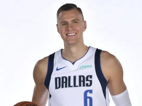 NBA官方晒图为铂金庆生