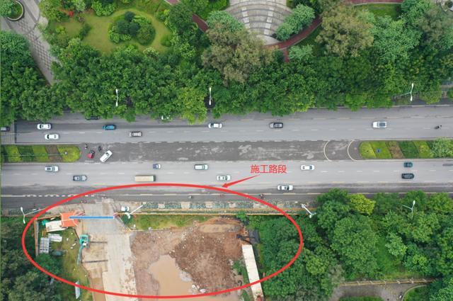 8月6日起,跃进路凤凰岭大桥(在建)接线道路交叉口施工