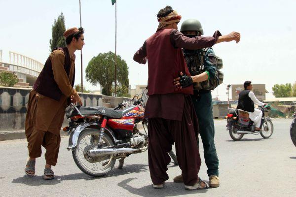 塔利班猛攻阿三省首府 加尼指责美国撤军令局势恶化