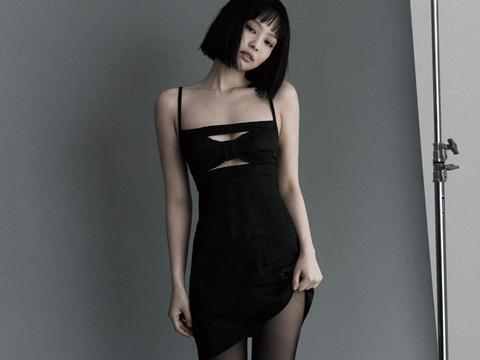 Jennie更新ins,风格越来越看不懂,网友:可以说丑吗?