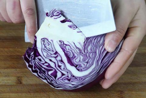 饭店凉拌紫甘蓝为啥那么好吃?大厨教你,简单实用,比吃肉香
