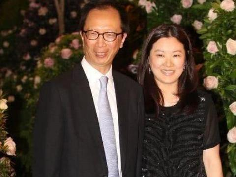伏明霞与梁锦松已离婚?两人不同方式作出回答,堪比郭晶晶!