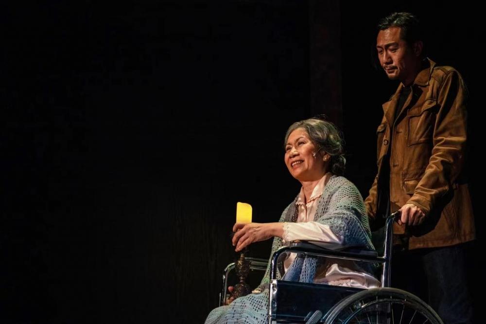 65岁资深话剧演员雷思兰去世,曾主演《最后晚餐》《如梦之梦》《德龄与慈禧》等