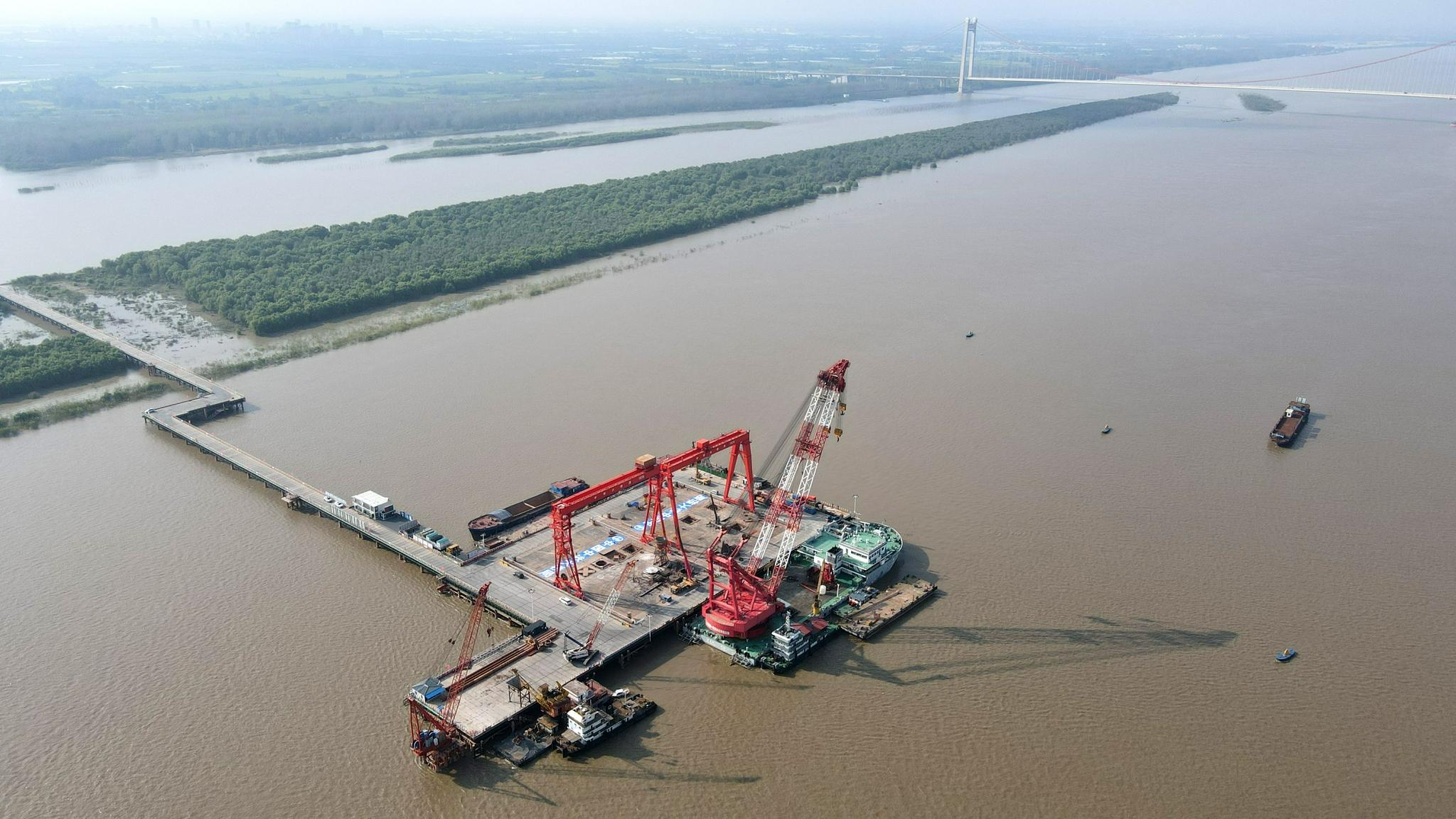 巢马城际铁路马鞍山公铁两用长江大桥主桥桩基施工全部完成