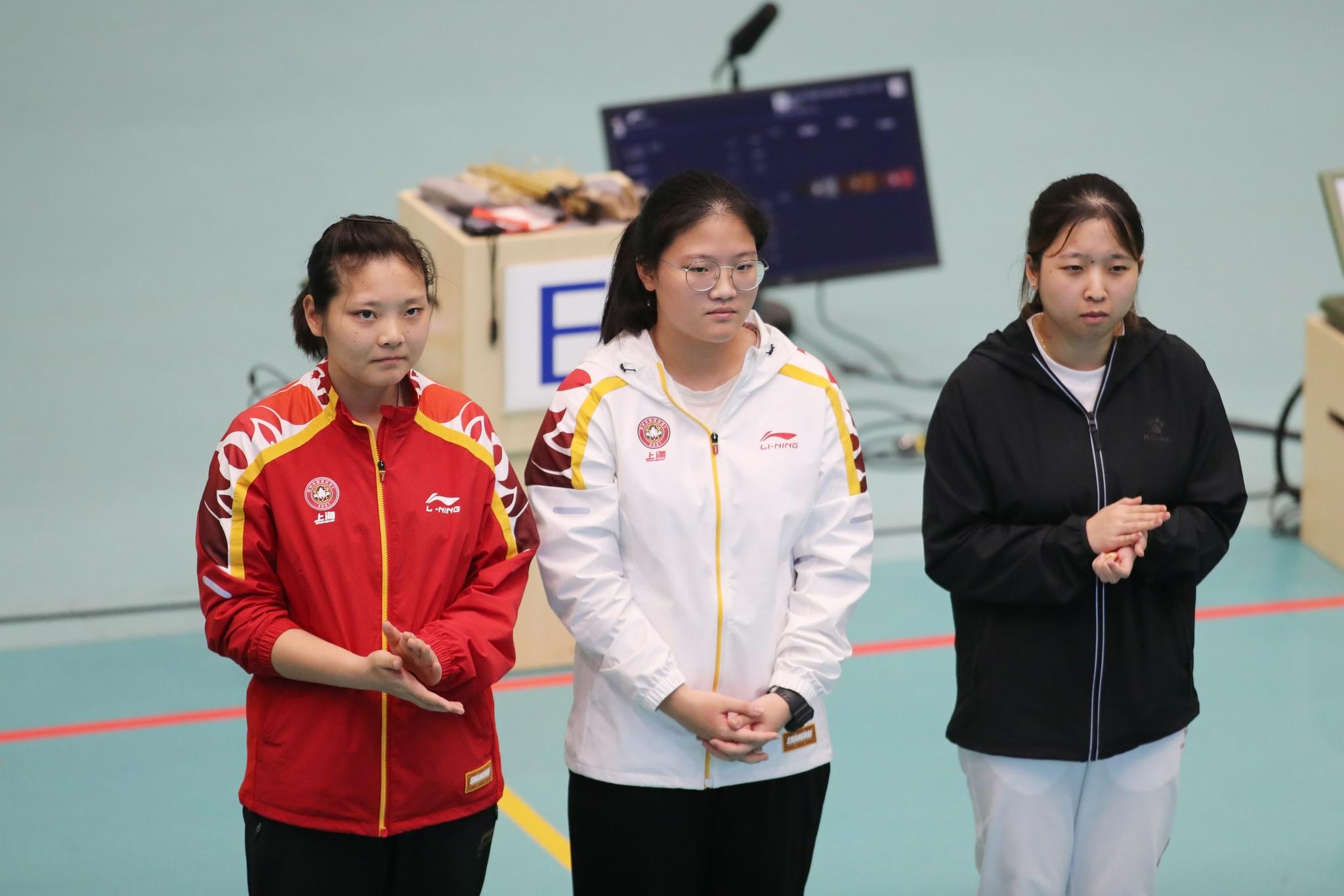 Shen Yiyao (middle) defeated Shanghai teammate and Olympic champion Jiang Ranxin.
