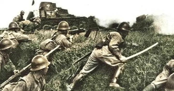 一个军装备4000多挺冲锋枪!日军上来拼刺刀,直接横扫过去