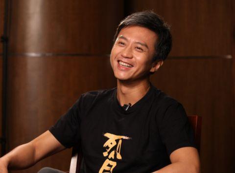 邓超与冯小刚结怨十年,起因和孙俪有关?如今一个拥抱和解