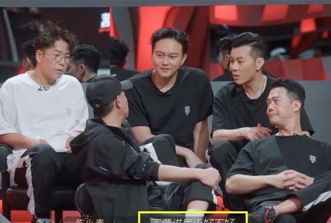 陈小春也许不会当队长,却很懂兄弟,张智霖、林晓峰分别出圈成功