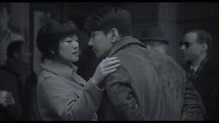 年龄相差20岁,巩俐和赵又廷的吻戏被网友吐槽:更像母子!