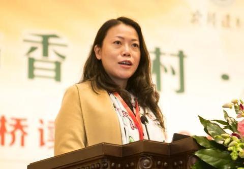 广东四川重庆4位女总裁,掌舵着500强,她白手起家,比董明珠还牛