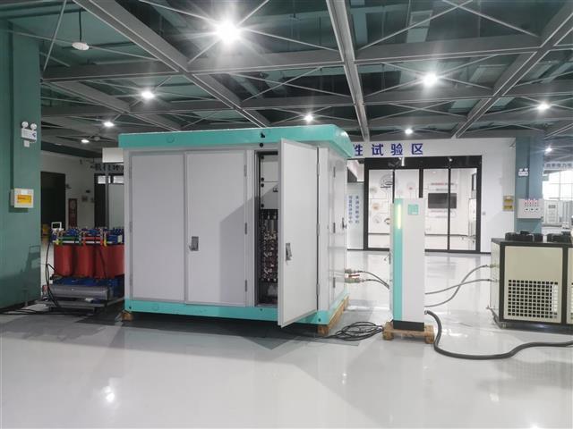 """充放电更安全有序 湖北电科院为超级充电站研制""""超强大脑"""""""
