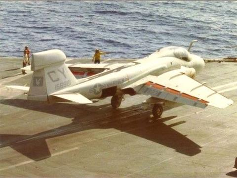 世界一流电子作战机:EA-6A航程3000千米,作战半径1200千米!