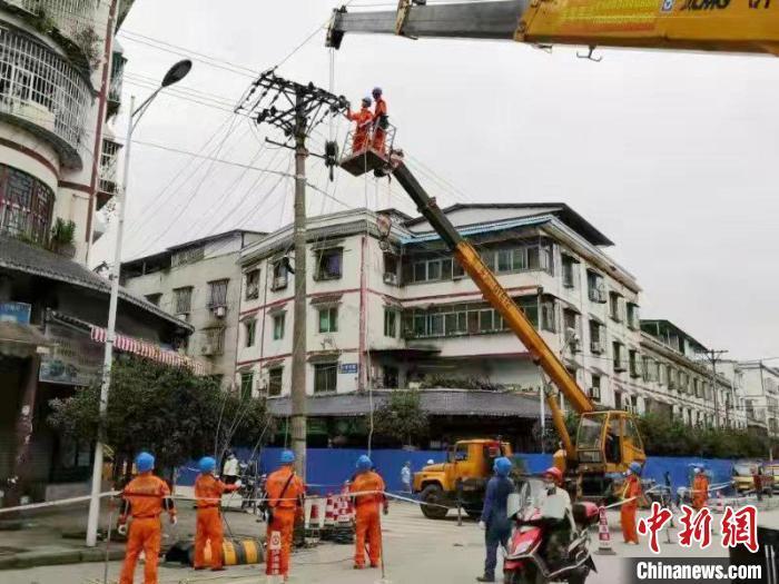四川泸县6.0级地震:地震共紧急转移7.6万余人 重伤员生命体征平稳