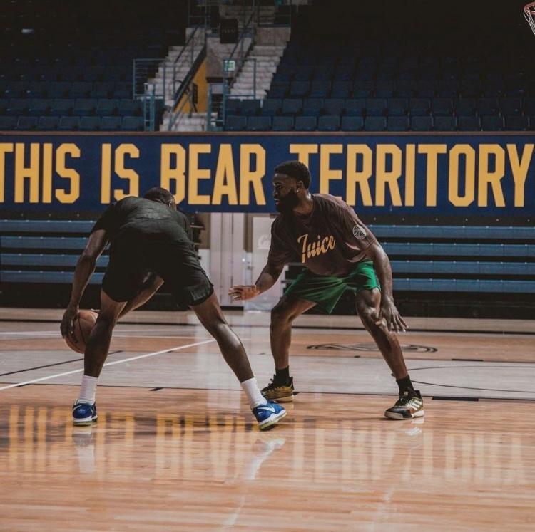 杰伦-布朗晒回母校加州大学伯克利分校球馆训练照