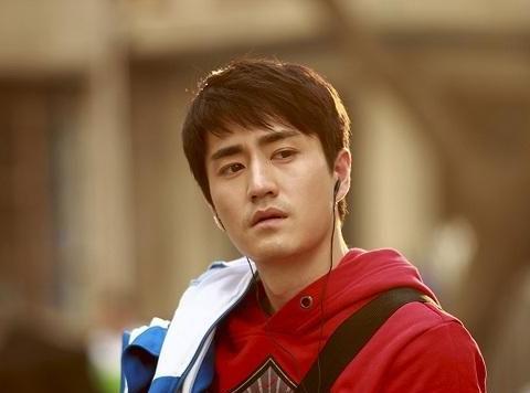 《匆匆那年》7年:白敬亭杨玏已成顶流,当年帅惨的他疑似退圈