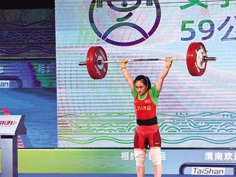 中国无法参赛的举重项目破5大纪录,甩奥运冠军5公斤