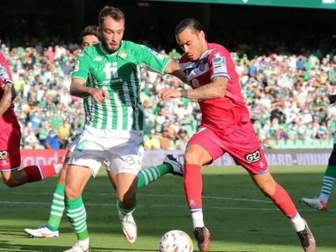西班牙人球迷的做法令人心寒,武磊现在真不如重新选择啦!