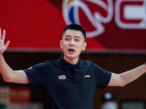 杨鸣签猛将,辽宁双星合砍50分 CBA赛制巨变,周鹏新头衔