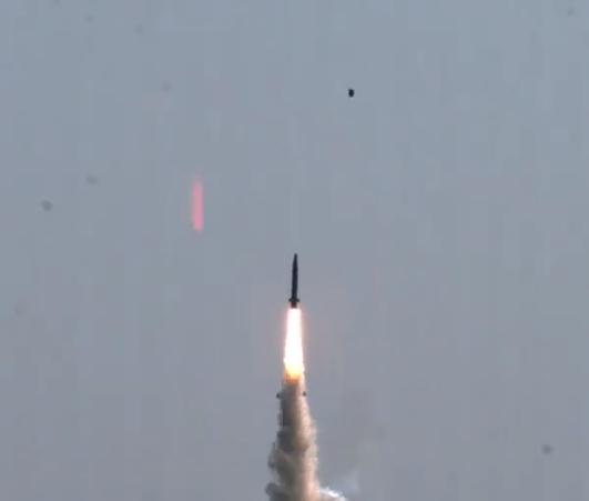 采用折叠弹翼的韩国导弹 图源:社交媒体
