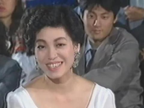 三十年前首届中秋晚会,费玉清唱思乡的歌,蔡琴唱了《月满西楼》