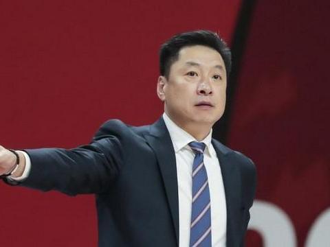 上海男篮补齐最后短板,李春江花过亿资金建梦之队,广东队危险!
