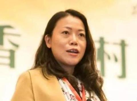 蝉联4年中国女首富,身家2150亿,是王健林的2倍,累计捐款90亿