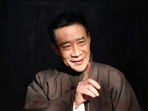 67岁的李雪健再次露面电影首映礼,带来的依旧是无尽的感动和倾佩