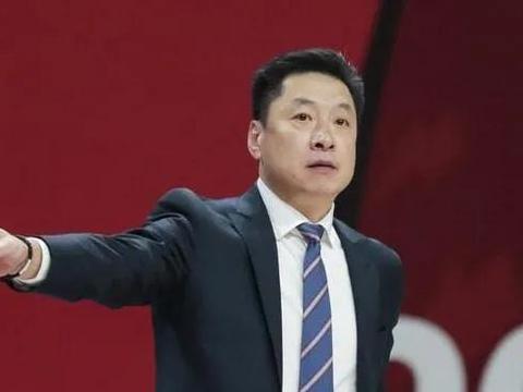 高诗岩证明之战,王哲林又拉胯,李春江迎来大难题