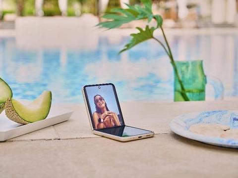 满满耀眼黑科技 Galaxy Z Fold3 /Flip3 5G引领成熟折叠屏时代