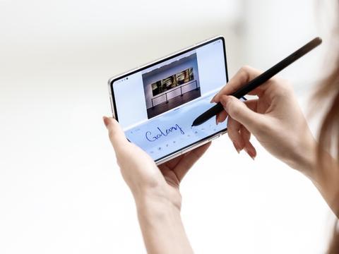 这才是用Galaxy Z Fold3/Flip3 5G打卡北京环球影城的正确姿势