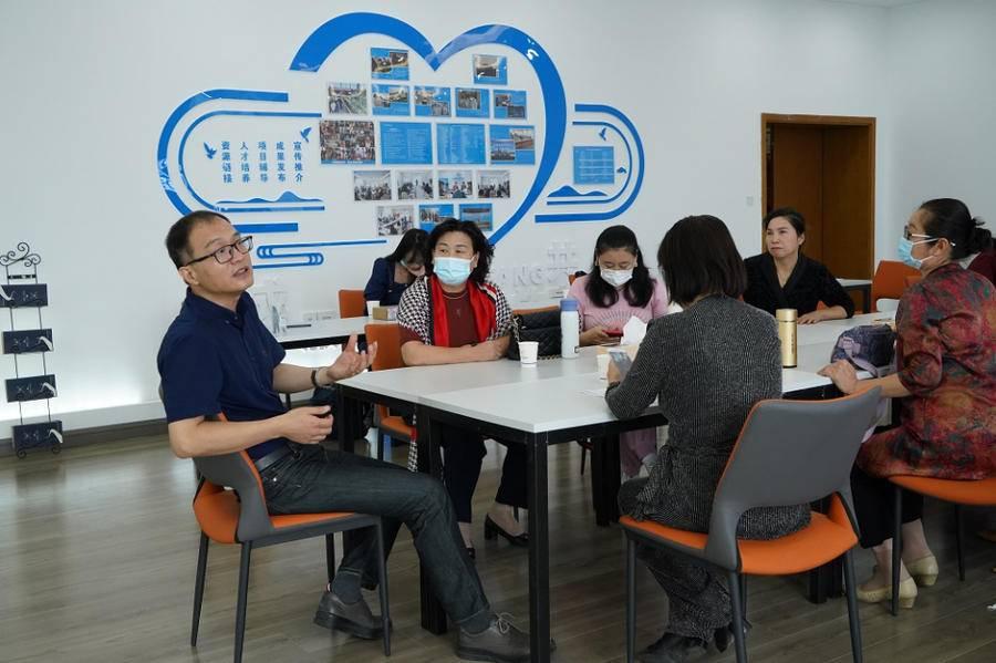 沐鸣平台装修网 新零售破局、商业模式创新,潍坊市科技创新巾帼会客厅迎来第四讲