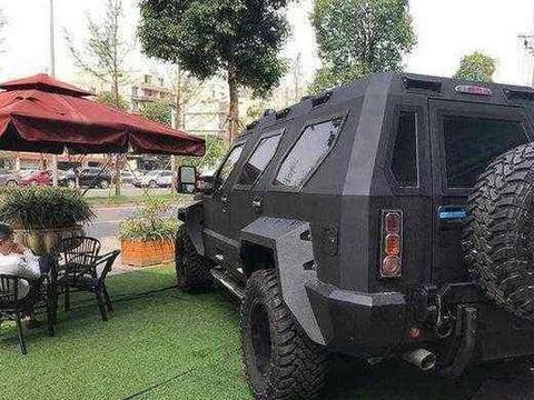 全球最坚固的装甲车,防御众多重火力攻击,坚不可摧