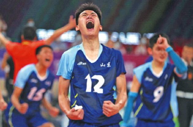 少帅带新兵!山东青年男排卫冕全运会冠军,激情教练赛后落泪