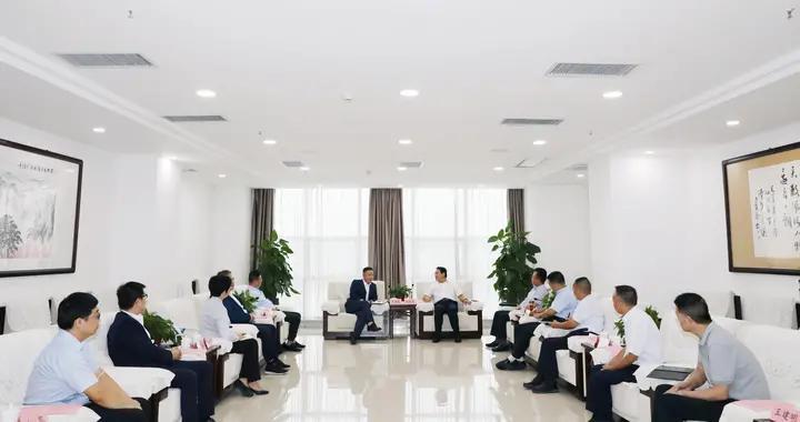 安康市委书记赵俊民会见南方航空集团有限公司西安分公司总经理吴国翔